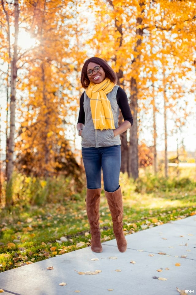 How to style a blanket scarf today. Discover the simplest ways to wear an oversized square scarf that anyone can pull off. PLUS a blanket scarf hack that ensures that your scarf has the perfect volume every single time.
