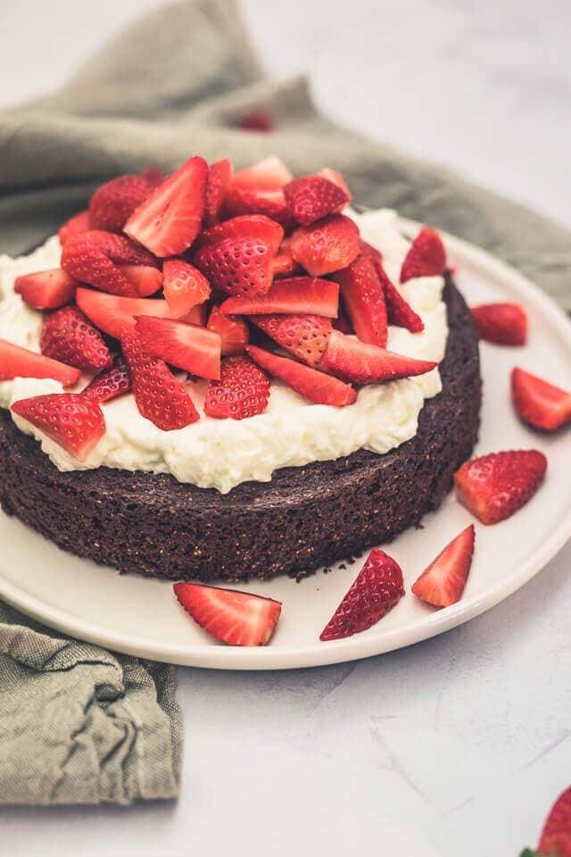 Erdbeerkuchen mit Brownieboden