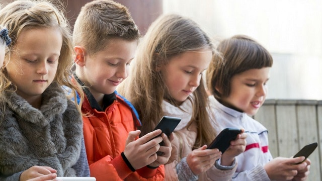 Mengatasi kecanduan gadget sejak dini