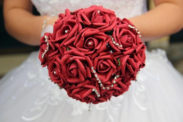 Álmaink rózsája, virága, rózsaolaja, rózsatövise, rózsakoszorúja