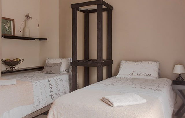 room three lions lodge accommodation