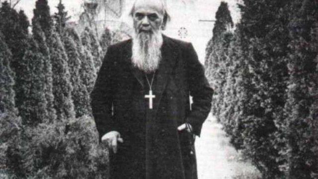 Vladika-Nikolaj.