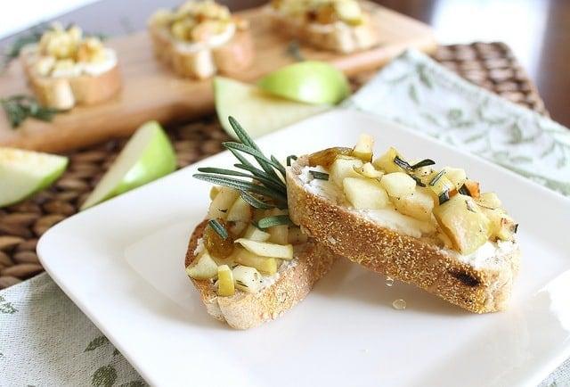 Apple and goat cheese crostini
