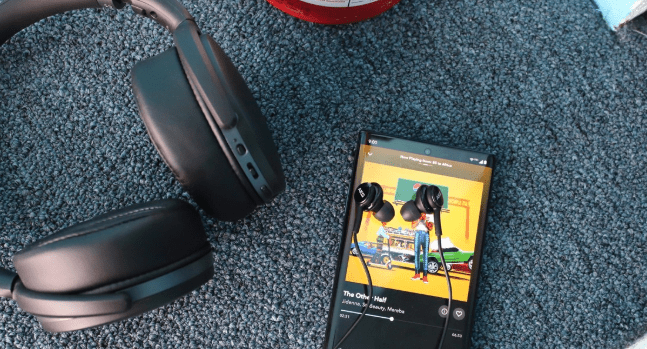 Galaxy Note10 and Bluetooth headphone