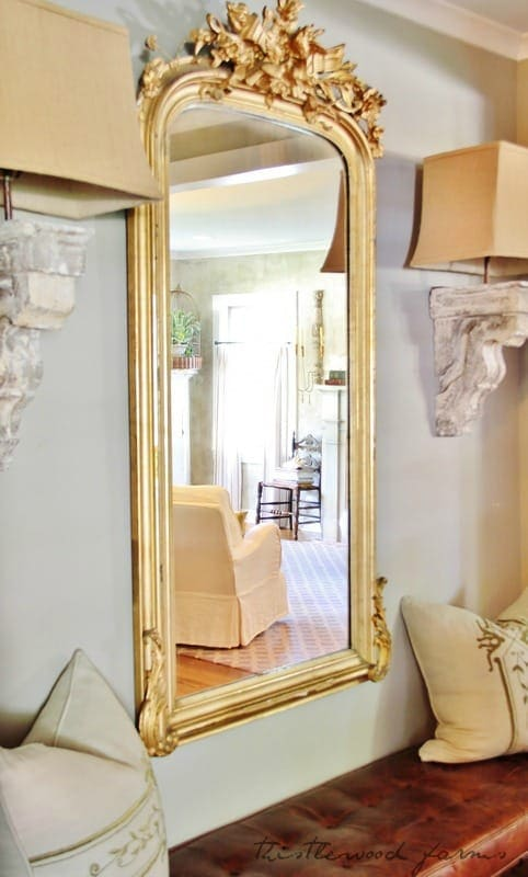 mirror and side lamps