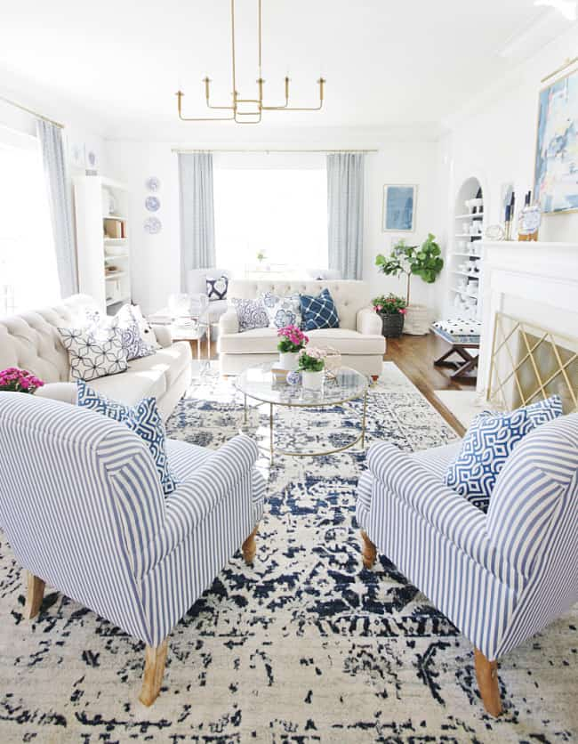 how to pick a paint color front room at Thistlewood