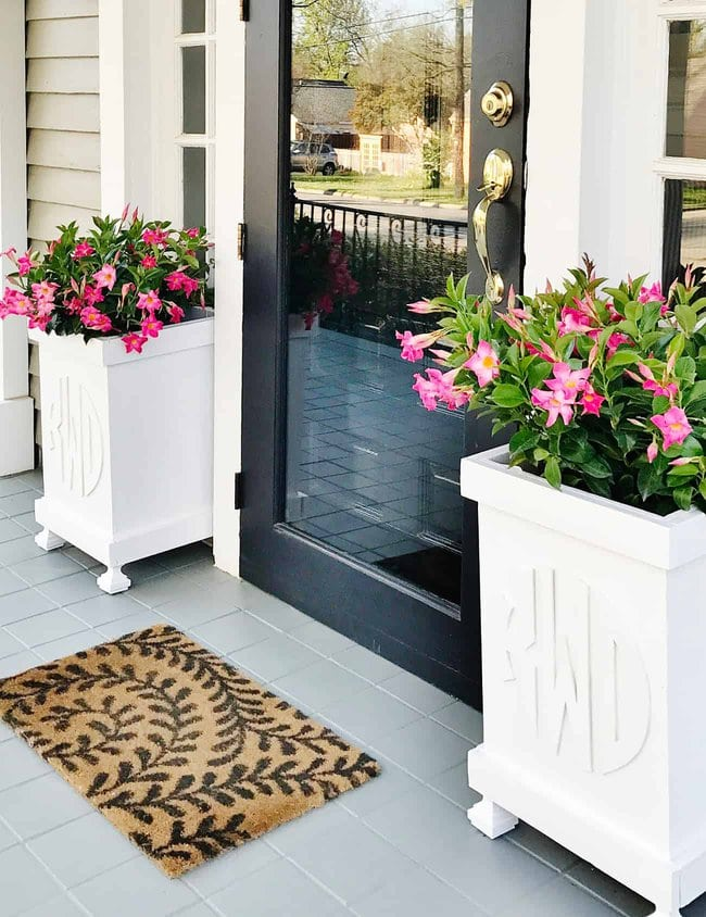 things you can transform with spray paint planters