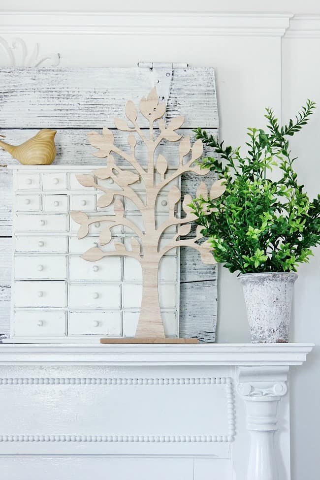 How to decorate your spring mantel
