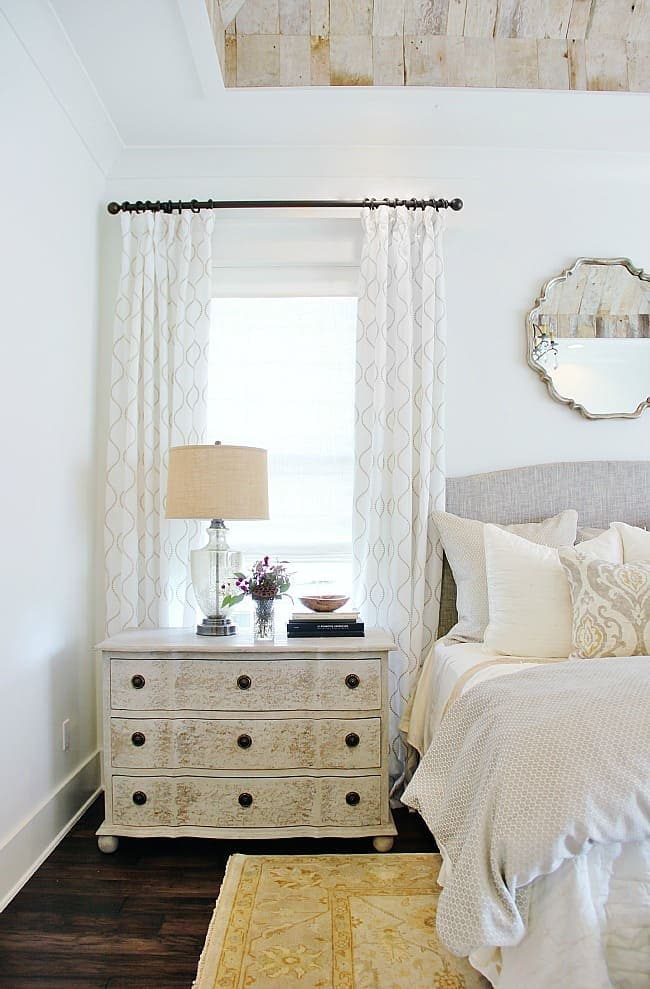 neutral bedroom modern farmhouse decor