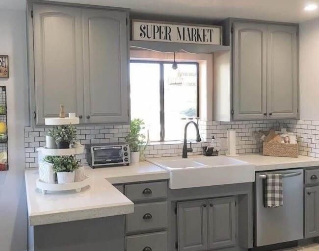 modern farmhouse kitchen cabinet pulls