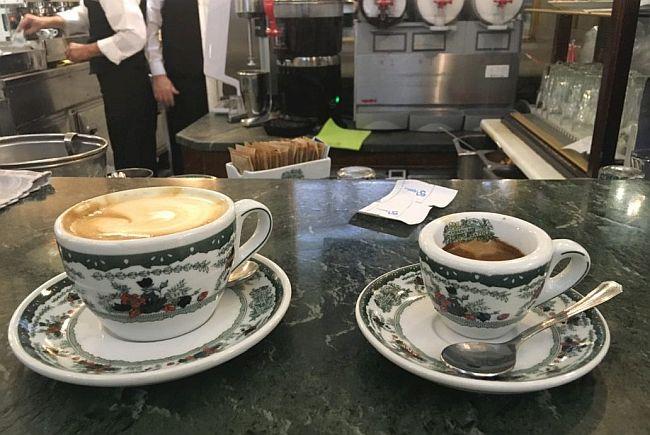 Dawnych kawiarni czar