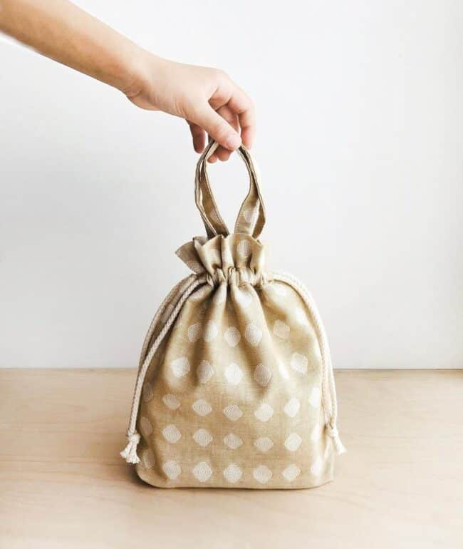 12 Easy & Fast Sewing Patterns for amazing bags #sewing #patterns #bags #bagstosew #DIY #sewbags