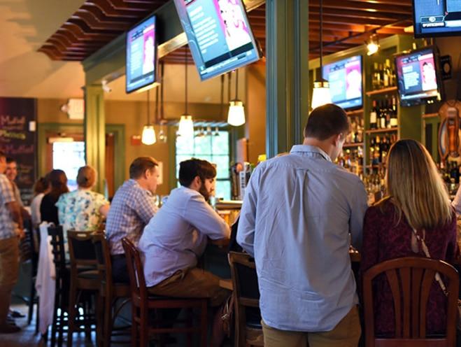 Portsmouth Ri Bar Tv