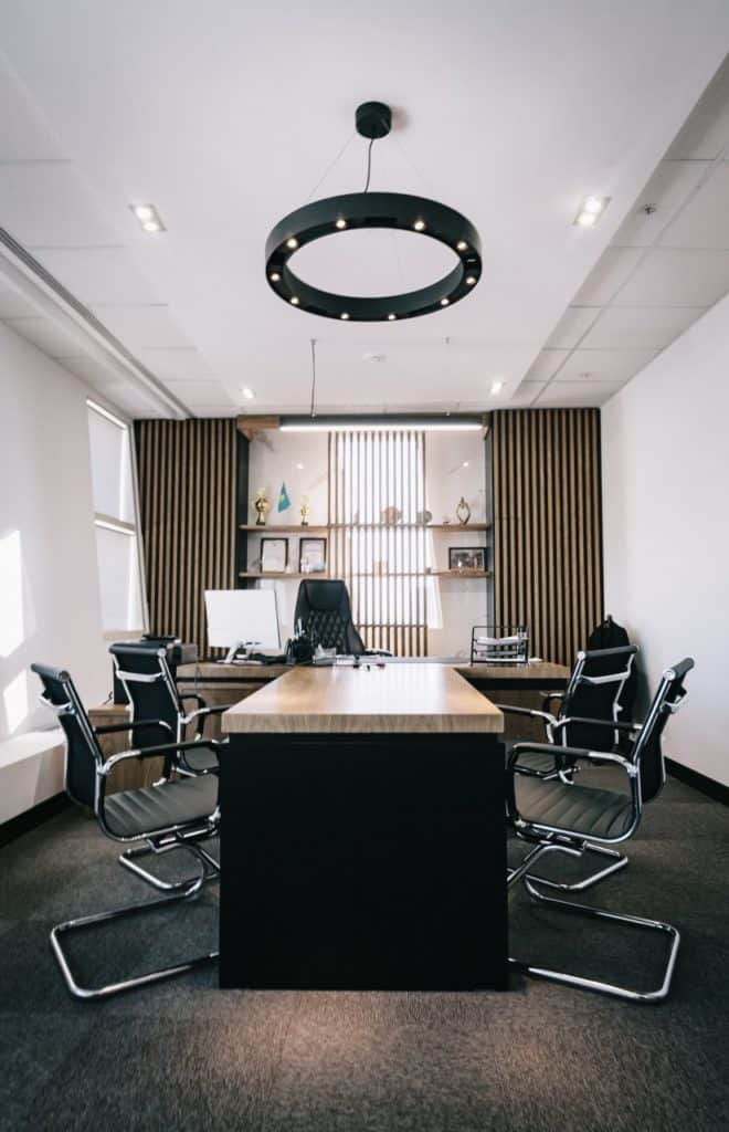 Image of an office meeting room