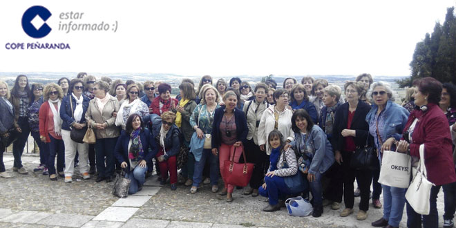 Medio centenar de mujeres de Peñaranda participaron en la excursión a Toro