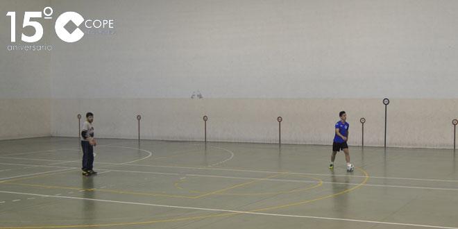Un momento del partido entre Las Cabañas y MJGS en el Torneo de verano de FS