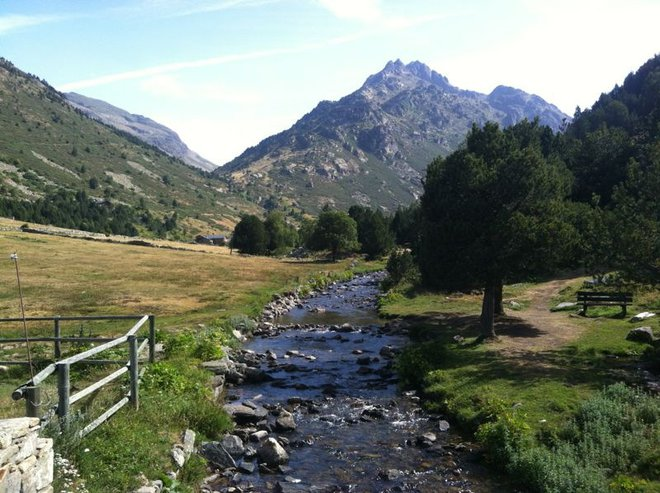 senderismo-hiking-andorra-mountain-hostel-tarter
