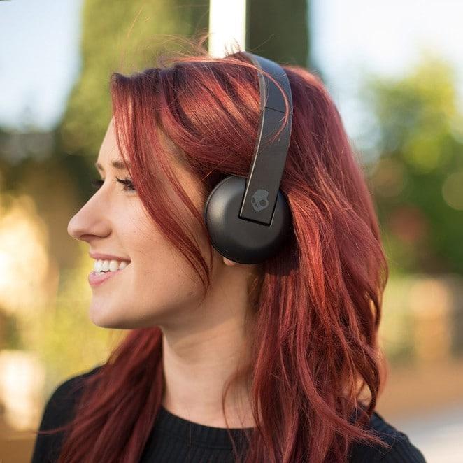 Headphones Under $50 in 2020 - TaoTronics Active Noise Canceling - Skullcandy Uproar