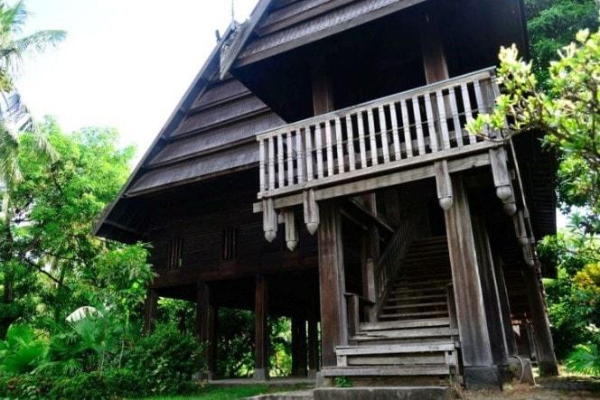Keunikan rumah adat boyang sulawesi barat