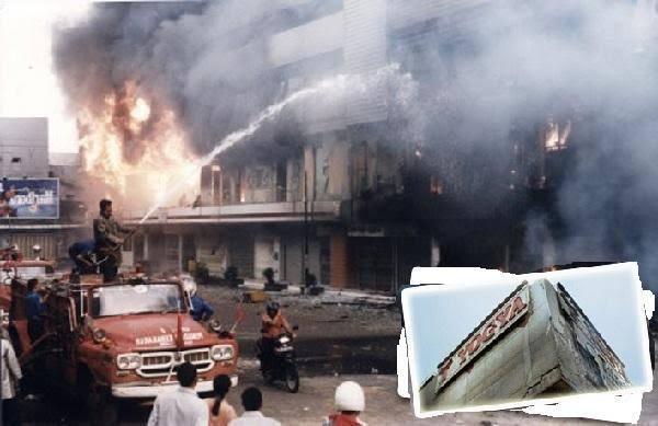 pembakaran mall klender salah satu peristiwa paling mengerikan dalam sejarah indonesia