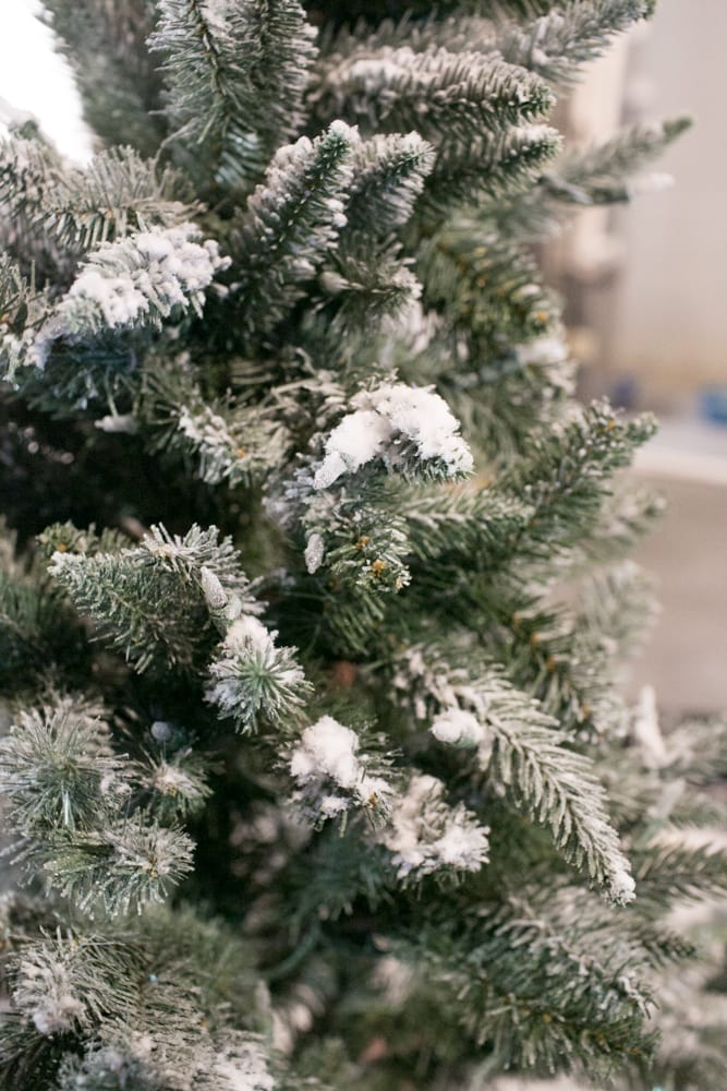 how to make a christmas tree look snowy