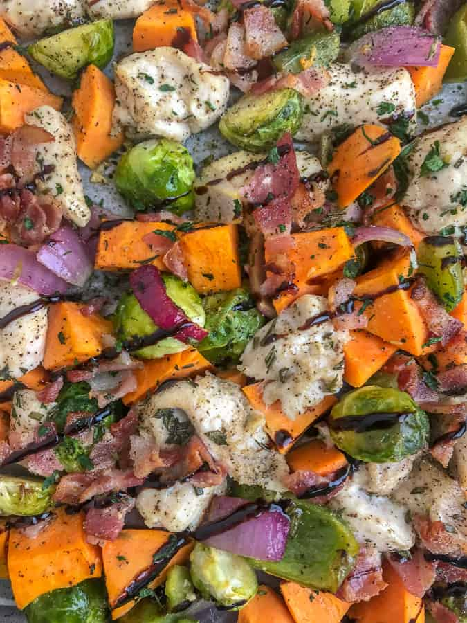 Sheet Pan Lemon Balsamic Chicken and Vegetables - a super simple recipe full of flavor and vegetables! Comes together in 35 minutes or less! Perfect for meal prep, lunches, or if you're simply looking to change up your eating routine! #mealprep #sheetpan #sheetpanrecipes #healthy | https://withpeanutbutterontop.com