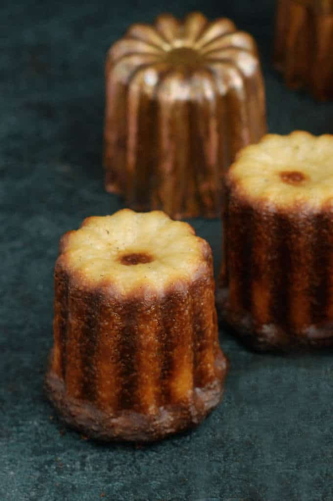 a canele with a white butt