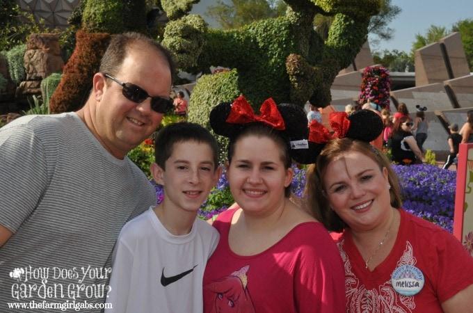 2014 disney family photo
