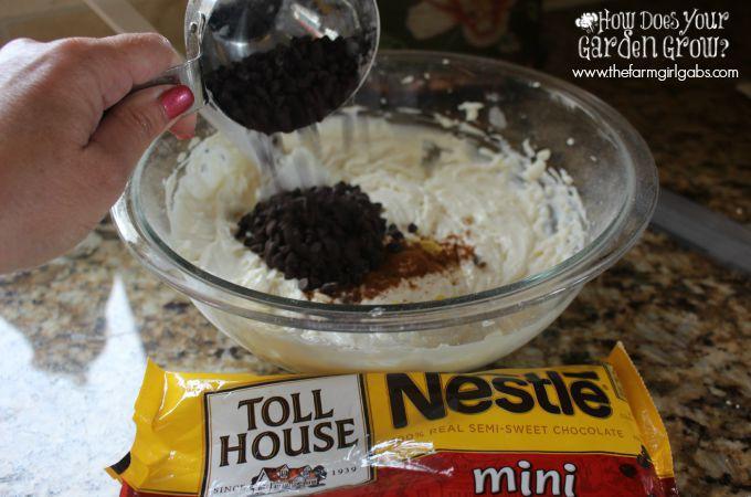 No-Bake Cannoli Cheesecake Jars Mini