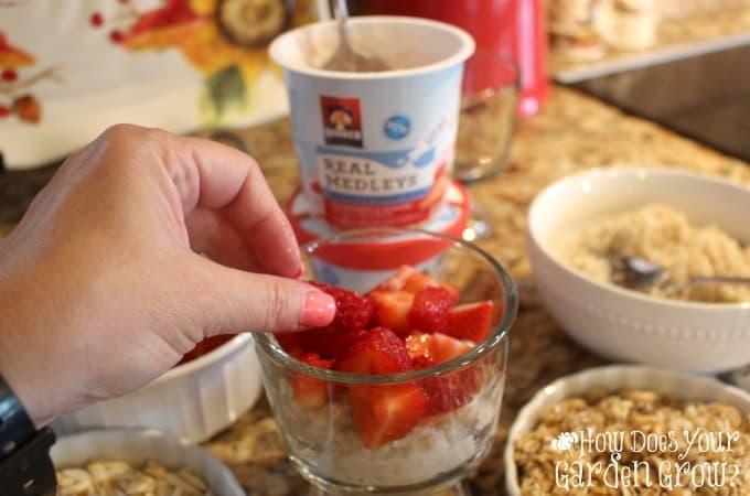Quaker Real Medley Strawberry Breakfast Parfait 2