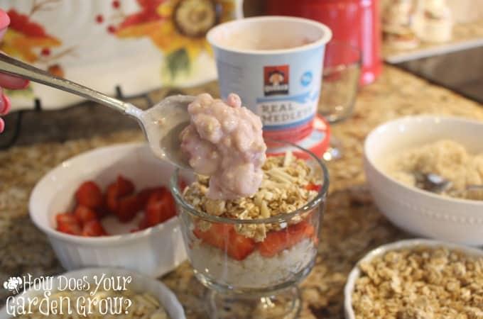 Quaker Real Medley Strawberry Breakfast Parfait