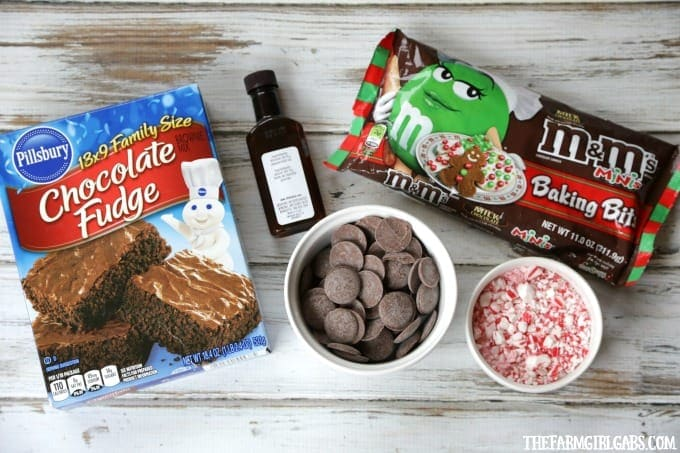 Fudge brownies and mint pair up to create these delicious Mint Fudge Brownie Truffles. This recipes is perfect for the holidays. #Ad #BakeInTheFun @Walmart