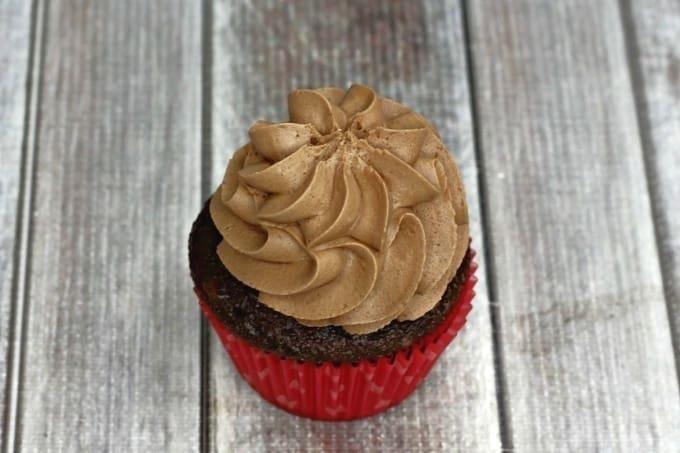 Chocolate lovers unite! These decadent Chocolate Ganache Cupcakes are the perfect chocolate cupcake recipe.
