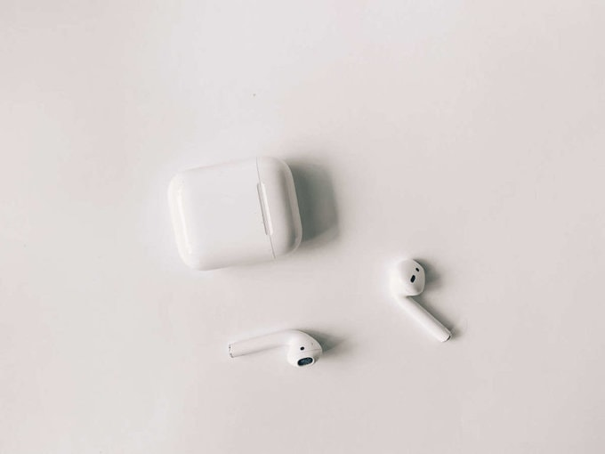 apple free airpod offer students