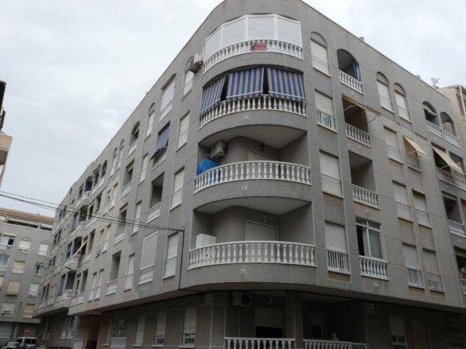 Apartamento en Torrevieja de 2 dormitorios en Playa del Acequión