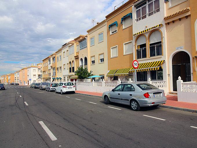 Luminoso apartamento de 2 dormitorios frente playa Acequion