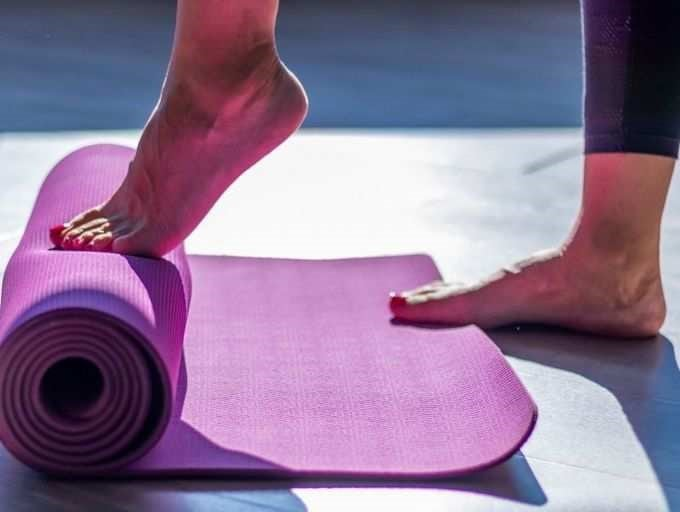 Leg and toe lift exercise
