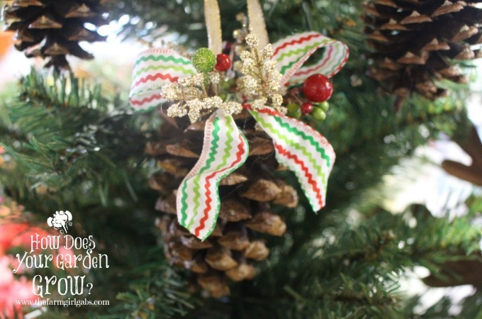 DIY Pinecone Christmas Ornaments - Feature