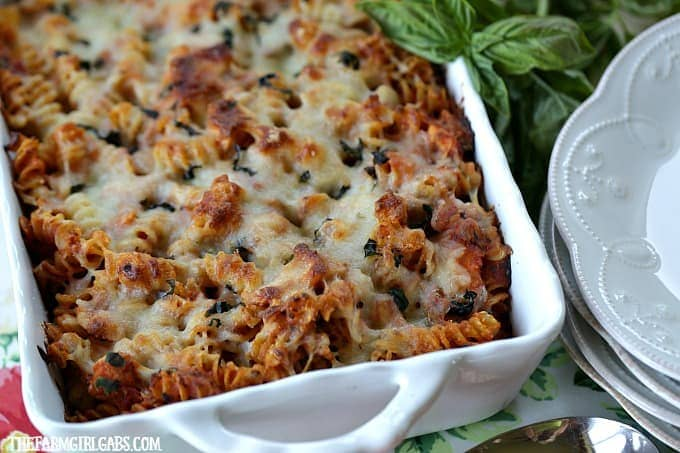 Busy school nights doesn't mean you can't have a delicious dinner ready in advance. This Grilled Chicken Parmesan Pasta Bake recipe is the perfect busy weeknight solution.