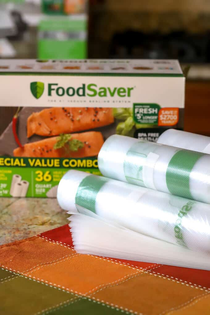 contents of the Foodsaver value combo pack, rolls, pre-cut bags and easy seal bags