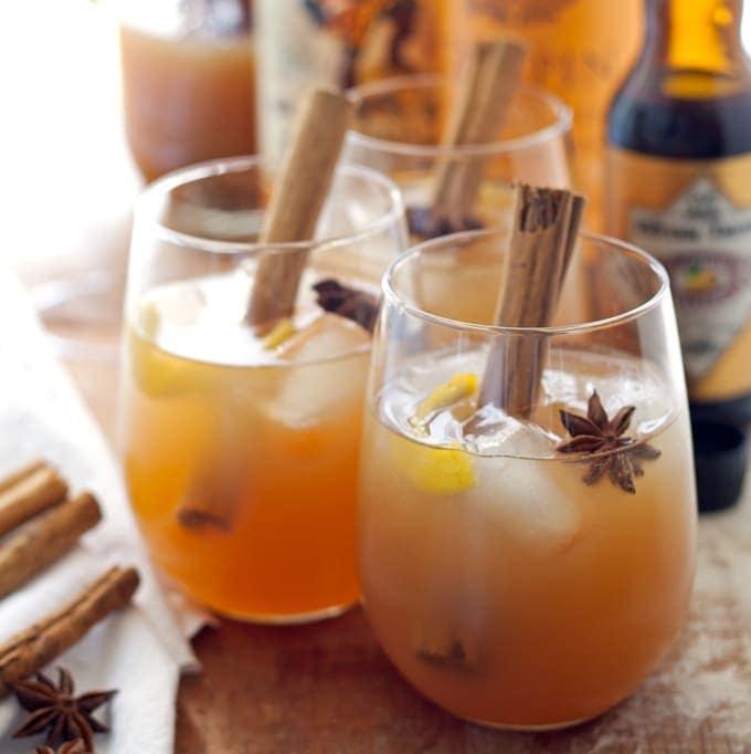 Autumn Spiced Rum Cider Cocktail - the perfect autumn cocktail! | honeyandbirch.com