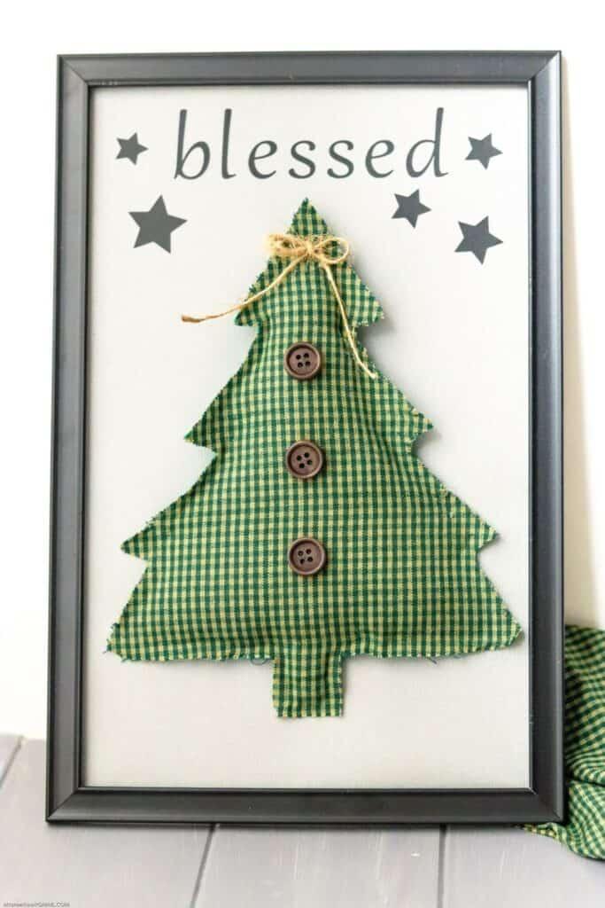 Make Your Own Farmhouse Christmas Sign