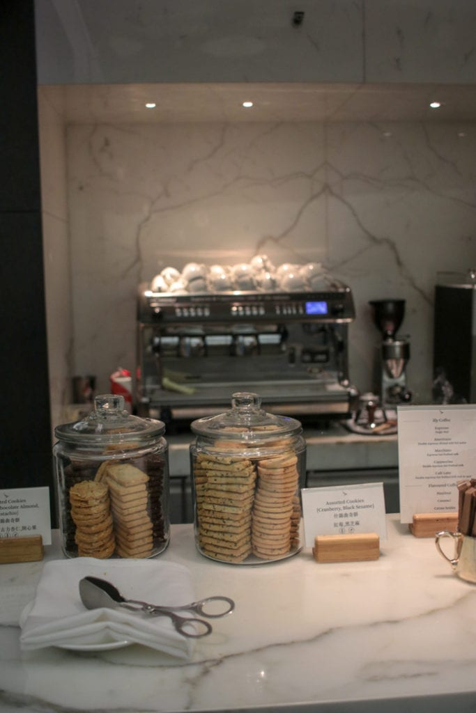 Cathay Pacific Business Class Lounge Review The Wing Hong Kong Airport