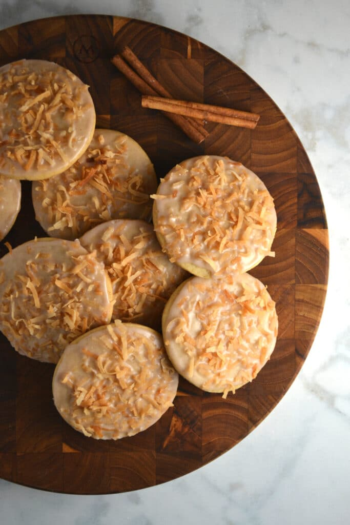 Coquito (Puerto Rican Eggnog) Cookies