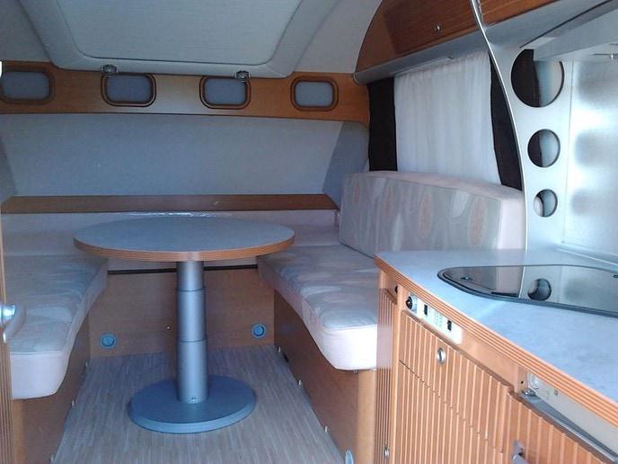 rulota-LMC-Innovan-interior