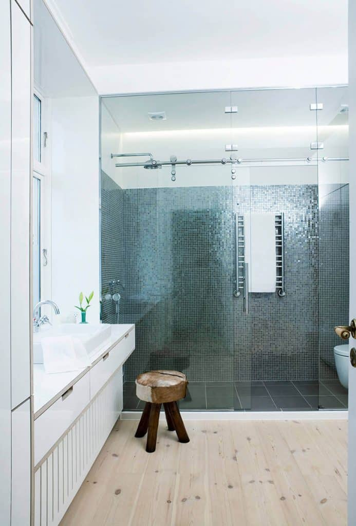Shiny Metallic shower tile