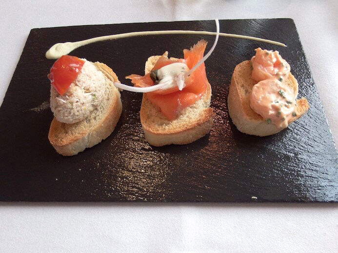 review Seafood crostini