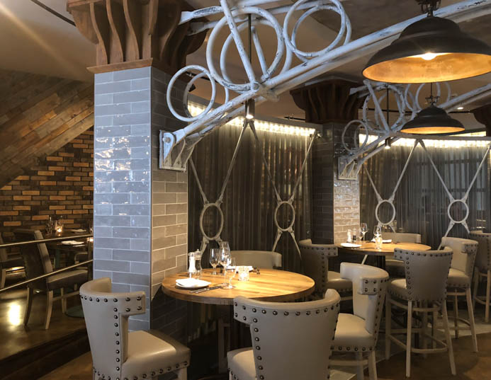 Sole Seafood and Grill Dublin Restaurant review. The elegant decor and exposed brick.