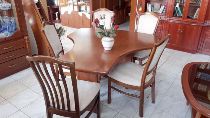 T alakú étkezőasztal különeges forma