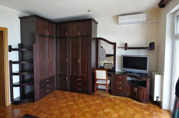 Hálószoba bútor sarok szekrény